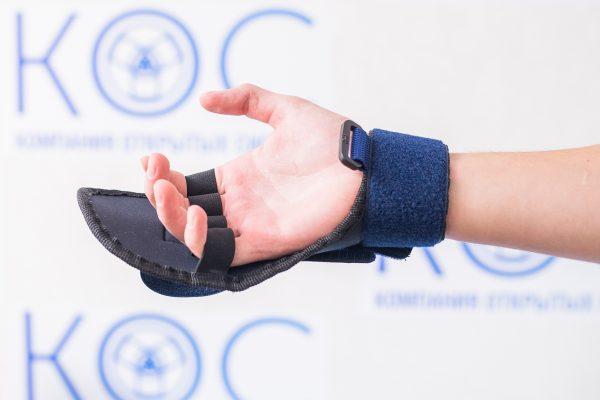перчатка для реабилитации после инсульта