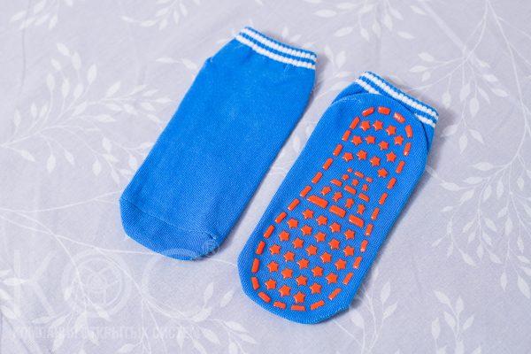 купить нескользящие носки